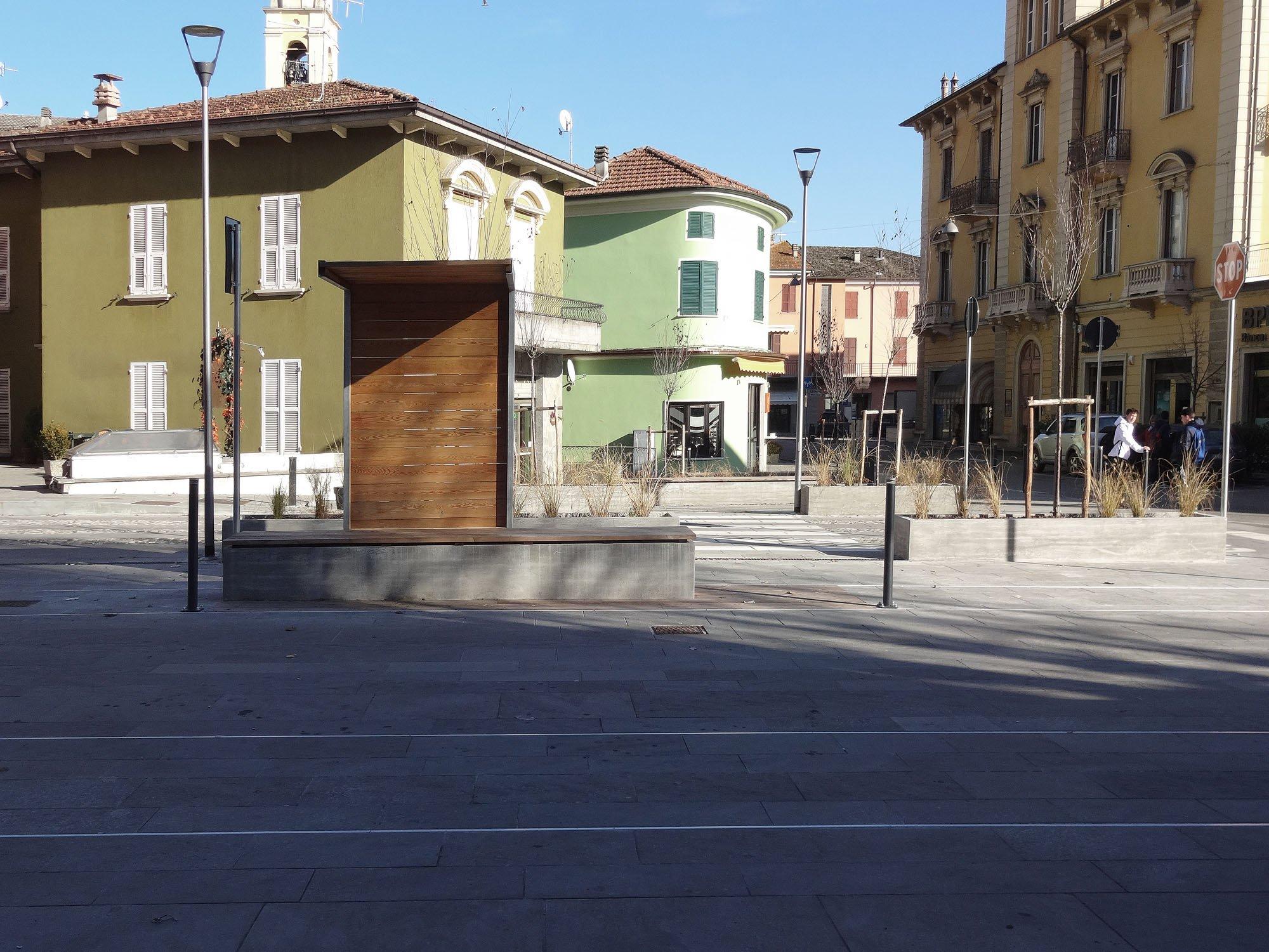 Vista diurna terminal sosta dei pulma Francesco Adorni