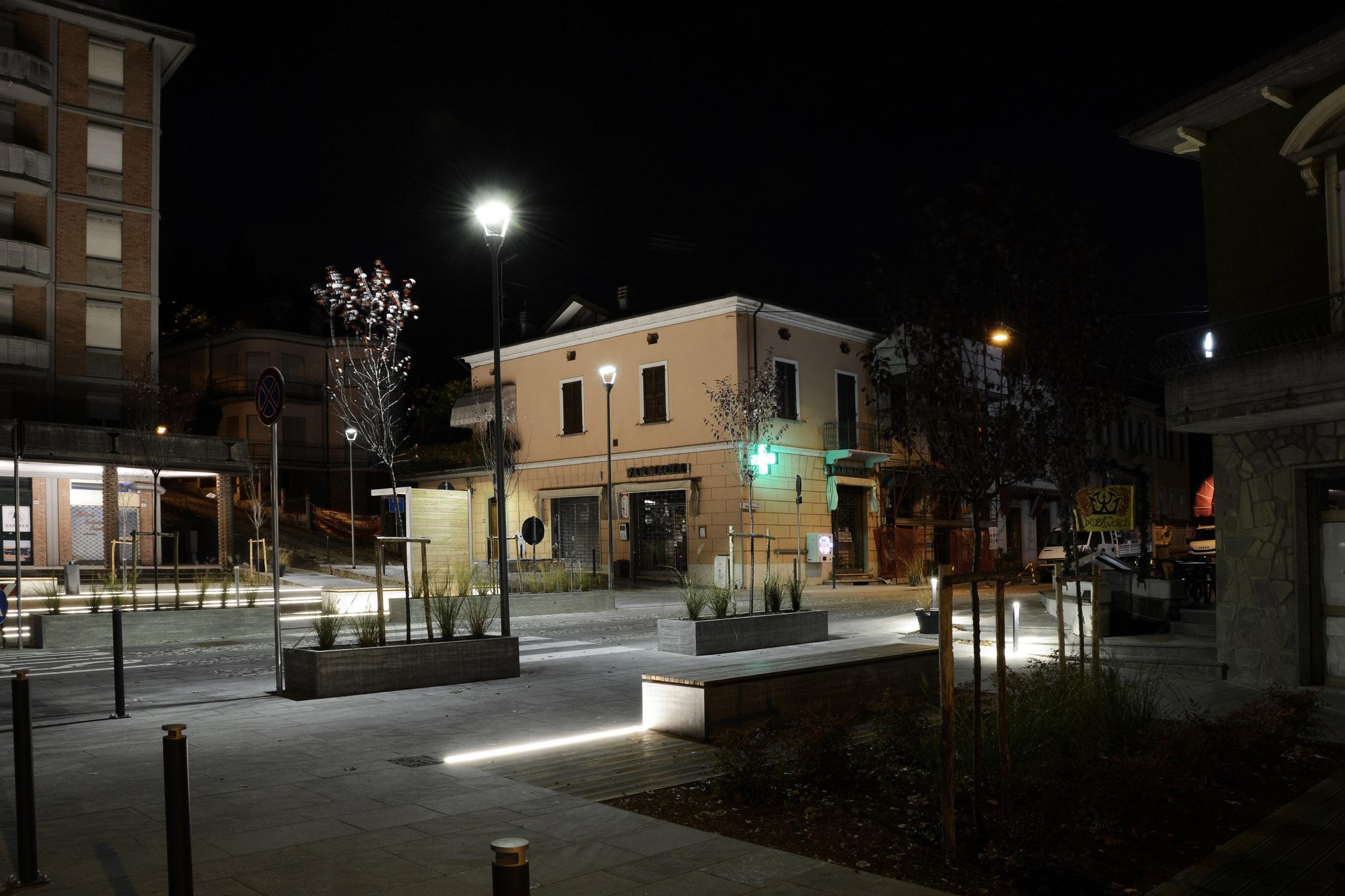 Vista generale serale dall'area verde Francesco Adorni