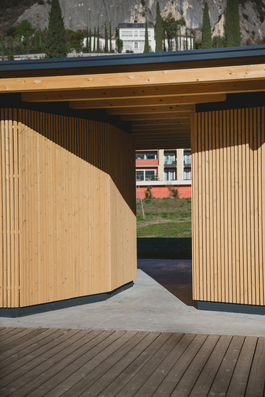 Dettaglio rivestimento in legno Elisa Depaoli photography