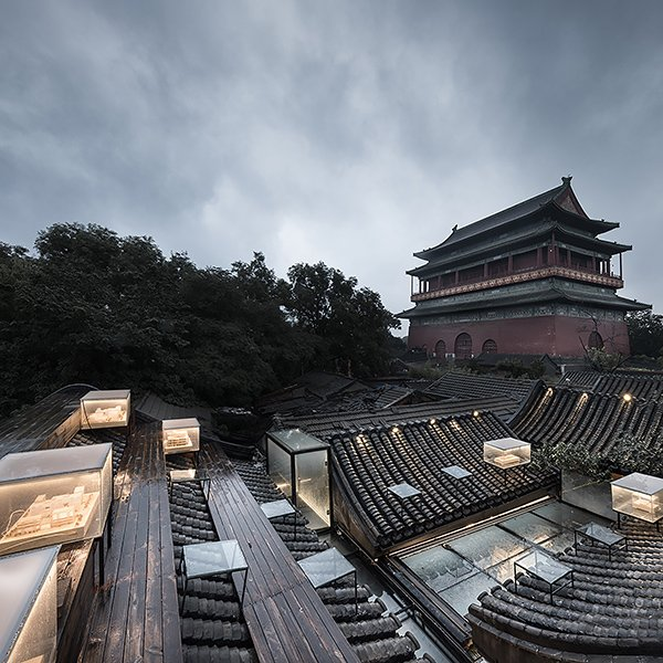 The south-western view of the roof during the evening © Hui Zhang