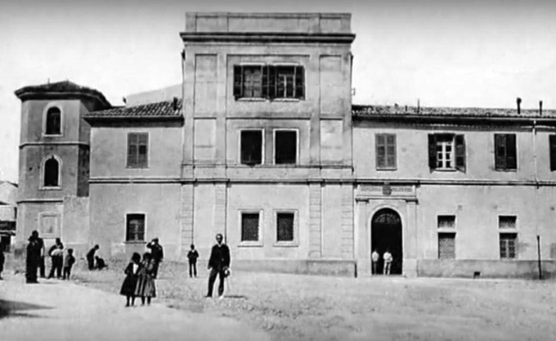 Ex Ospedale Militare di Catanzaro: immagine d'epoca inizi del '900 Archivio Storico Catanzaro