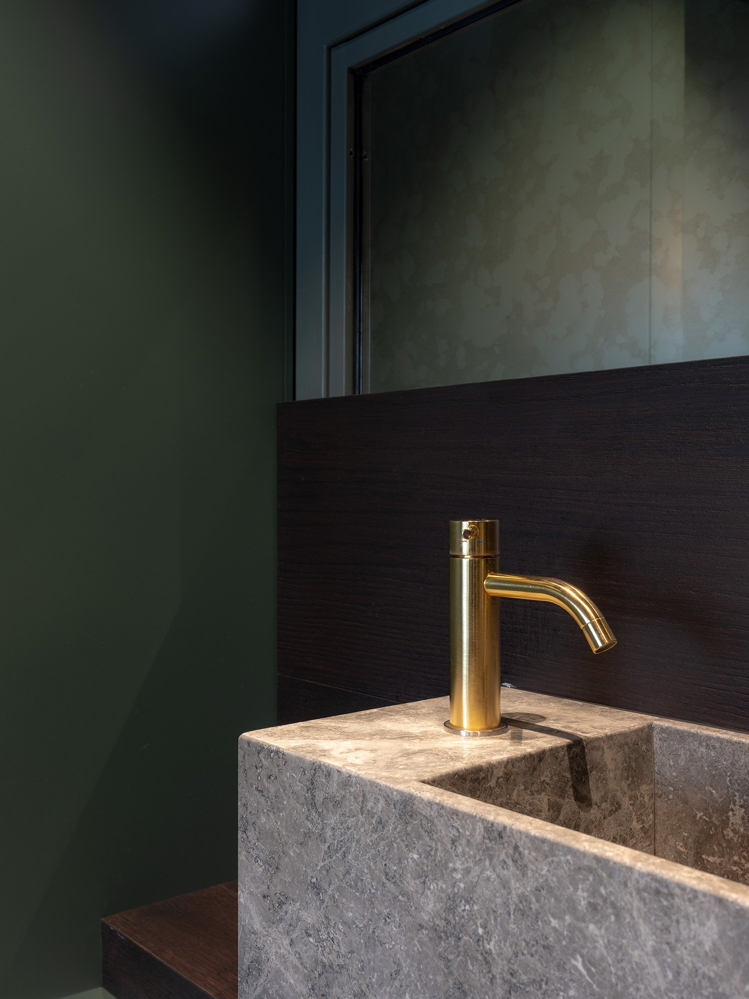 Dettaglio del lavabo Marco Zanta
