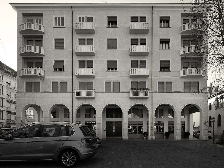 Vista dell'edificio da piazza Matteotti Marco Zanta