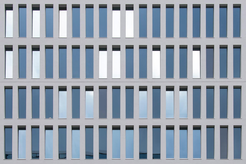 dettaglio di facciata lato V.le Liberazione Stefano Anzini