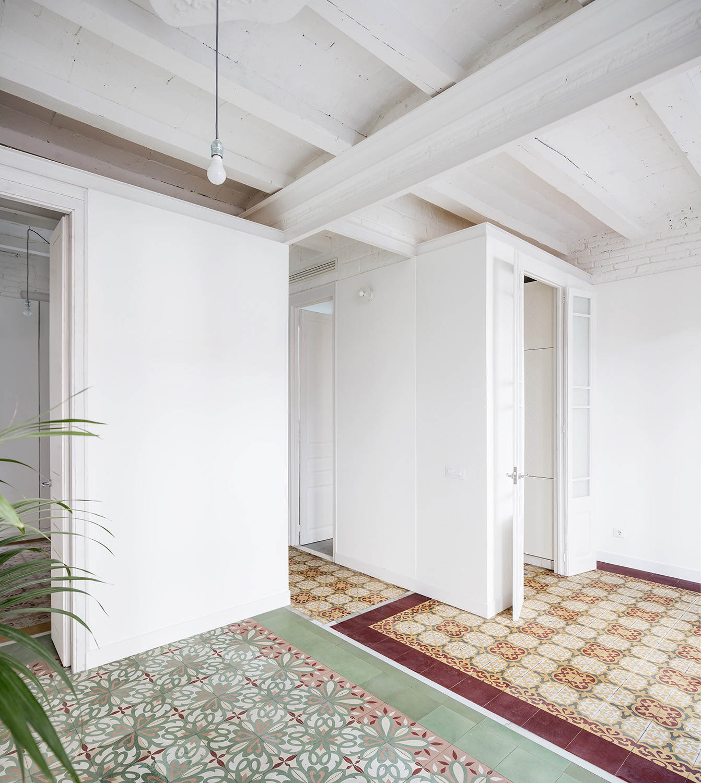 living room, street side adrià goula