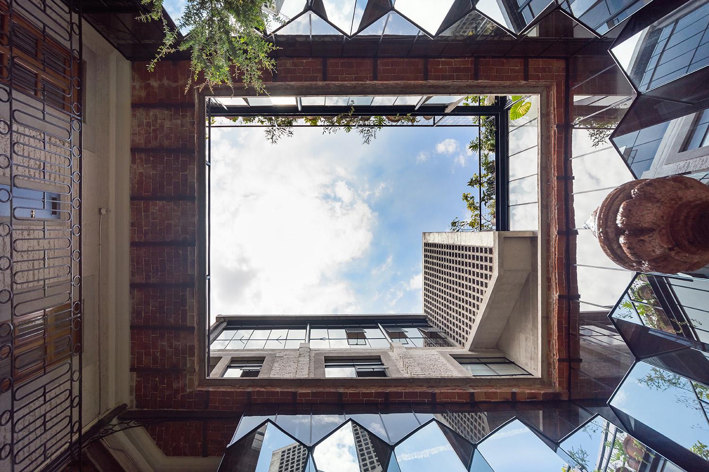 General view of the central patio Luis Gallardo / LGM Studio