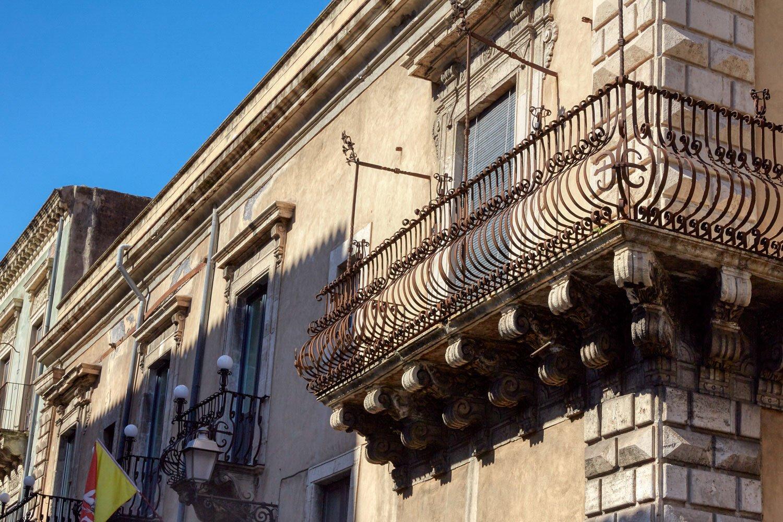 Particolare del prospetto esterno del palazzo Alessandro Gruttadauria di  AGphotoStudios