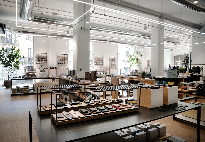 Vista spazio retail accedendo dal ristorante Photo Andrea Martiradonna