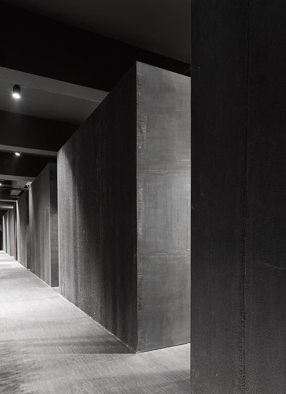 Basement (The Black Canvas) Simone Bossi