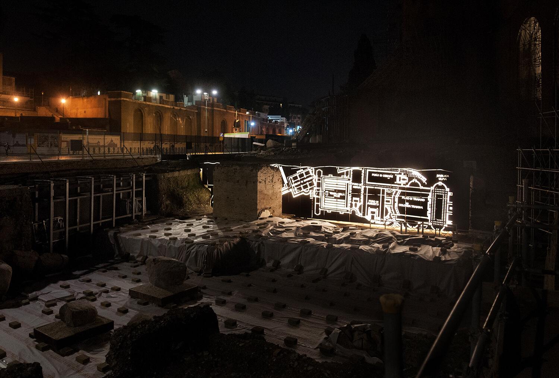 Vista generale del muro in corten e del Tempio della Pace Pietro Bomba