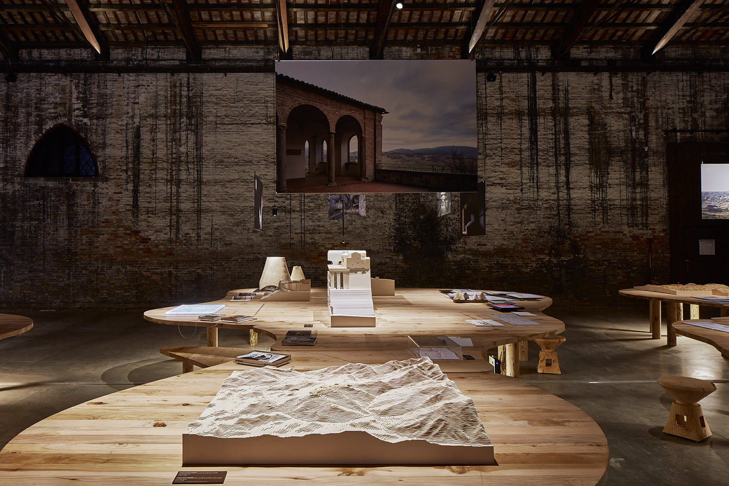 INSIDE-OUT: Exhibition set up - Padiglione Italia Urban Reports