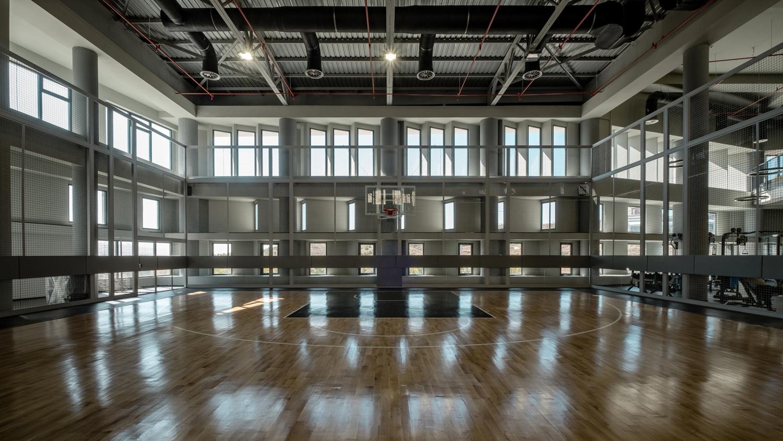 Interior Basketball Court Orhan Kolukısa, Yerçekim
