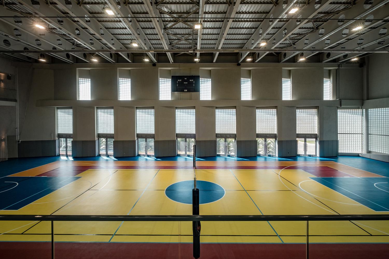 Multi-Sports Hall: West Facade Solar Modulation Orhan Kolukısa, Yerçekim}