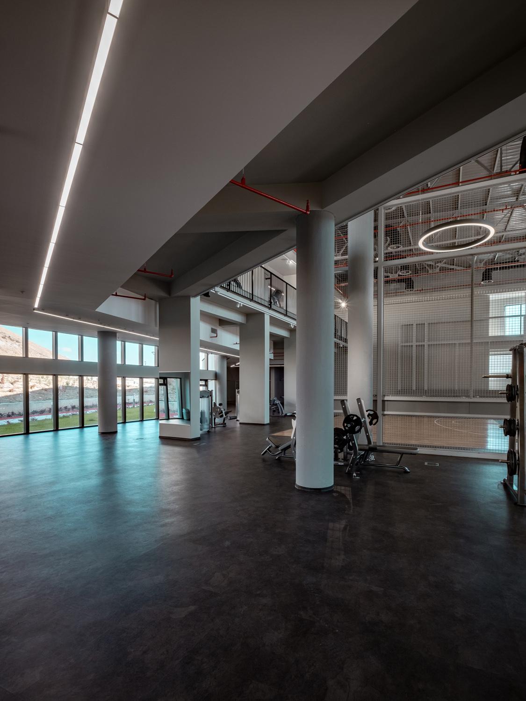 First Floor Interior view to East Orhan Kolukısa, Yerçekim}