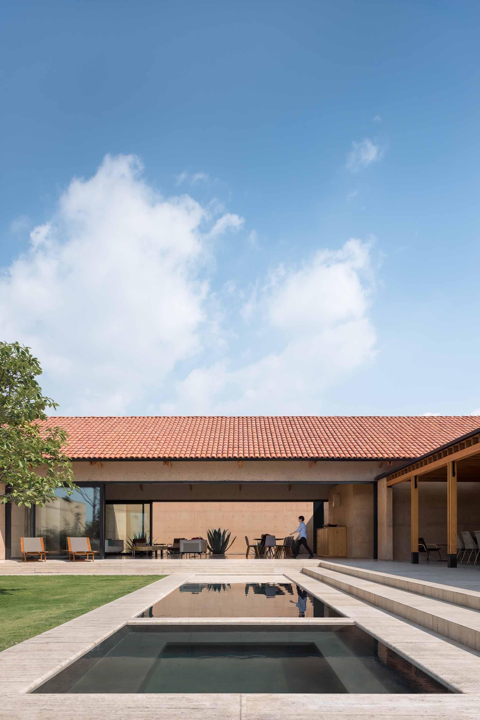 Bernardo Quinzaños, Ignacio Urquiza, Centro de Colaboración Arquitectónica