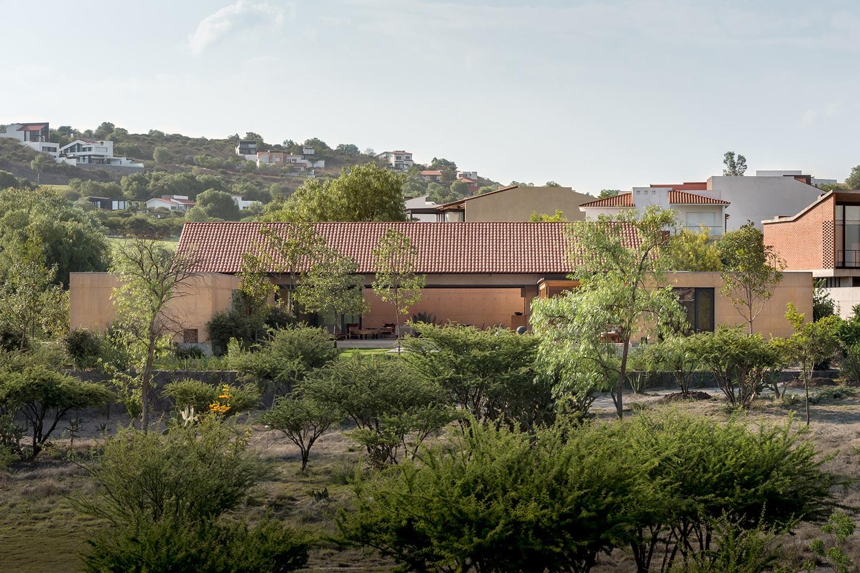 Exterior View - South Facade LGM Studio