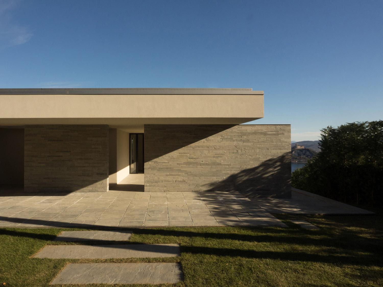 p+f_villa, the entrance giulio ghirardi