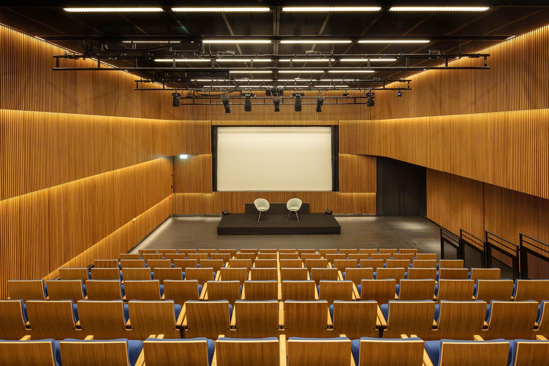 Arter Sevgi Gönül Auditorium Quintin Lake