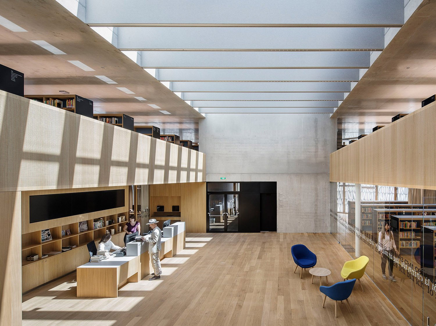The double height auditorium flooded with natural light from its central atrium. Albrecht I. Schnabel