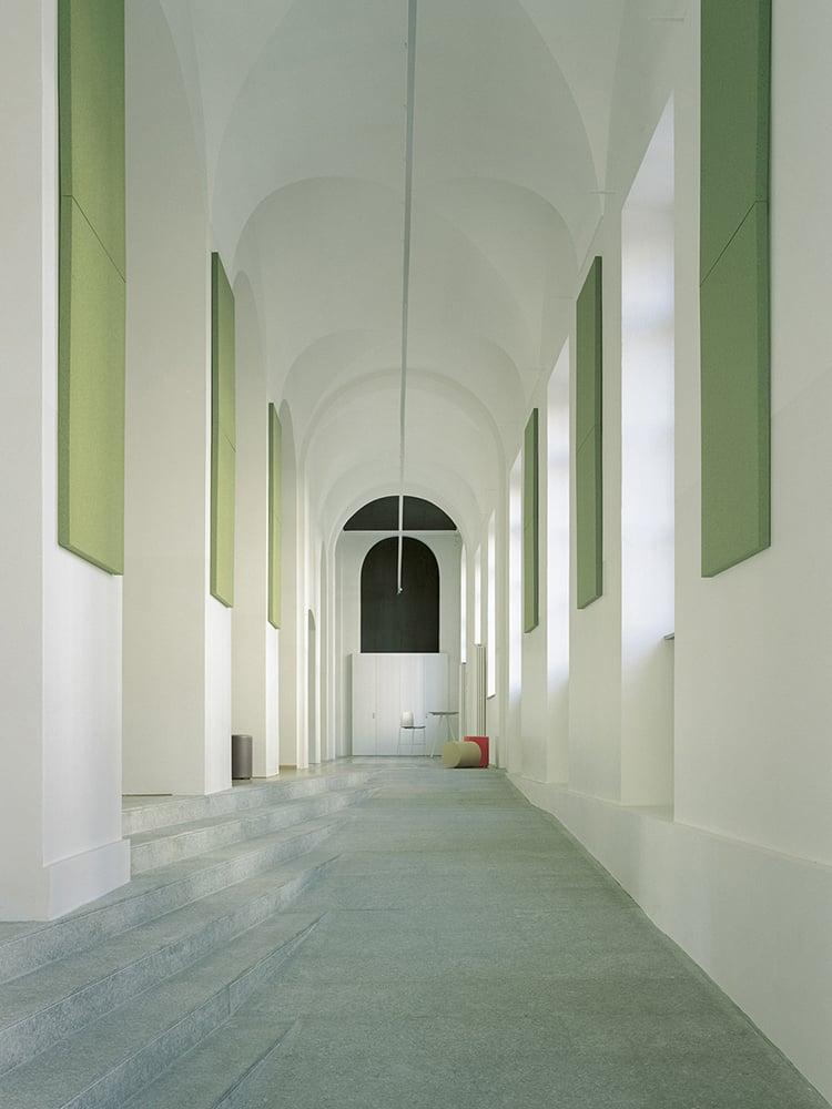 Galleria d'ingresso Simone Bossi