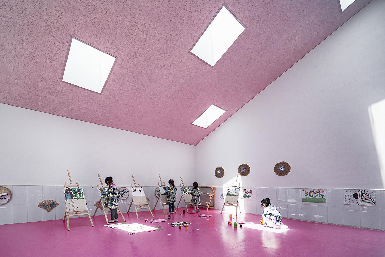 interior view of art classroom WU Qingshan