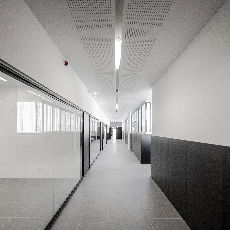 Interior corridor João Morgado