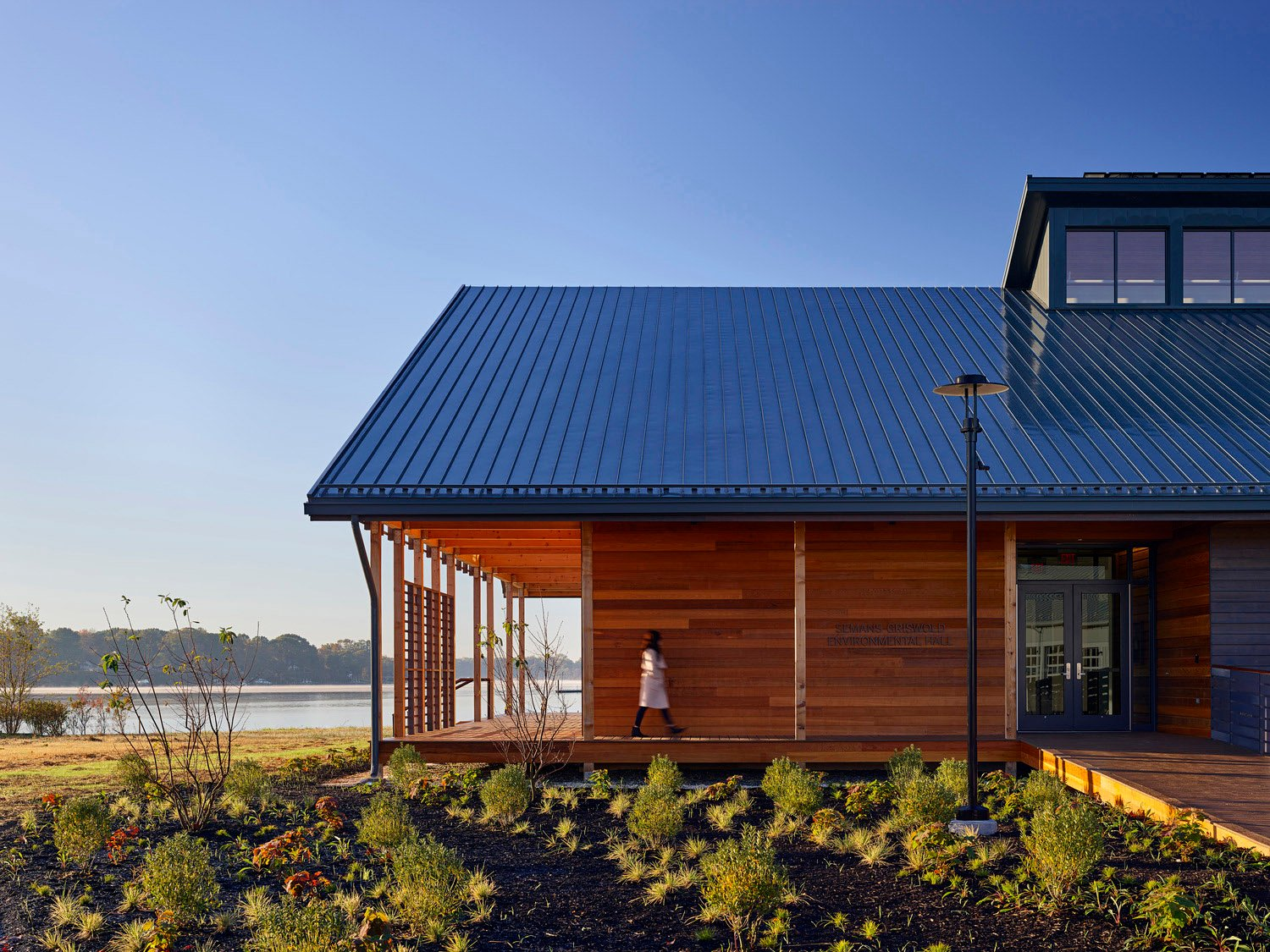 Wood and metal complement the simple form and preserve the local waterfront vernacular ©Tom Holdsworth