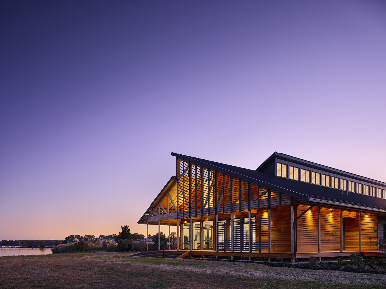 The transparent east elevation serves as a beacon along the Chester River ©Tom Holdsworth