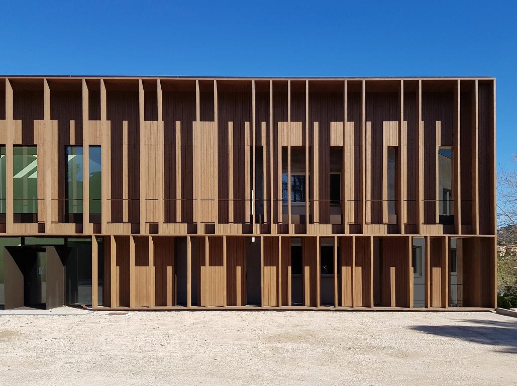 ES_04: Luci e ombre in facciata Sardellini Marasca Architetti