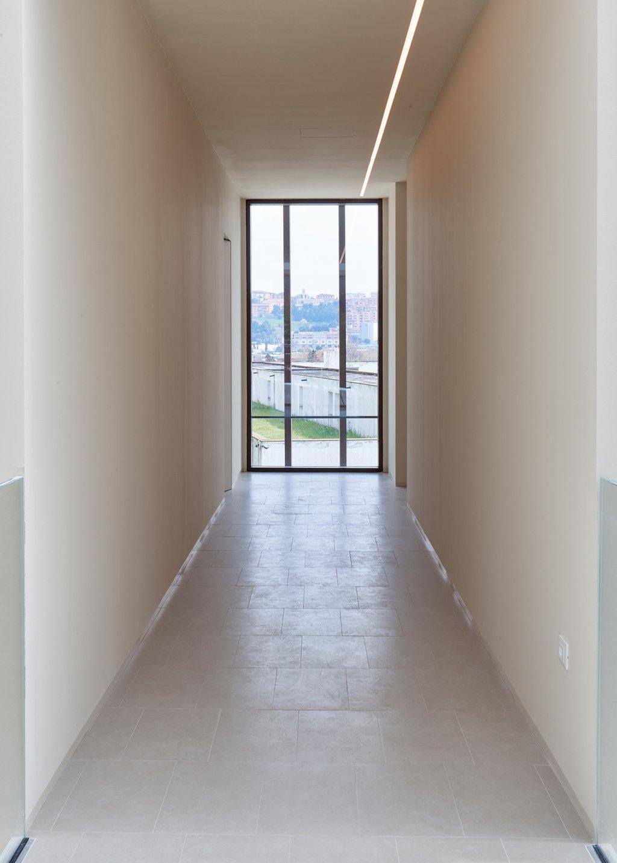 IN_04: Scorci trasversali: il corridoio d'accesso ai laboratori Paolo Semprucci