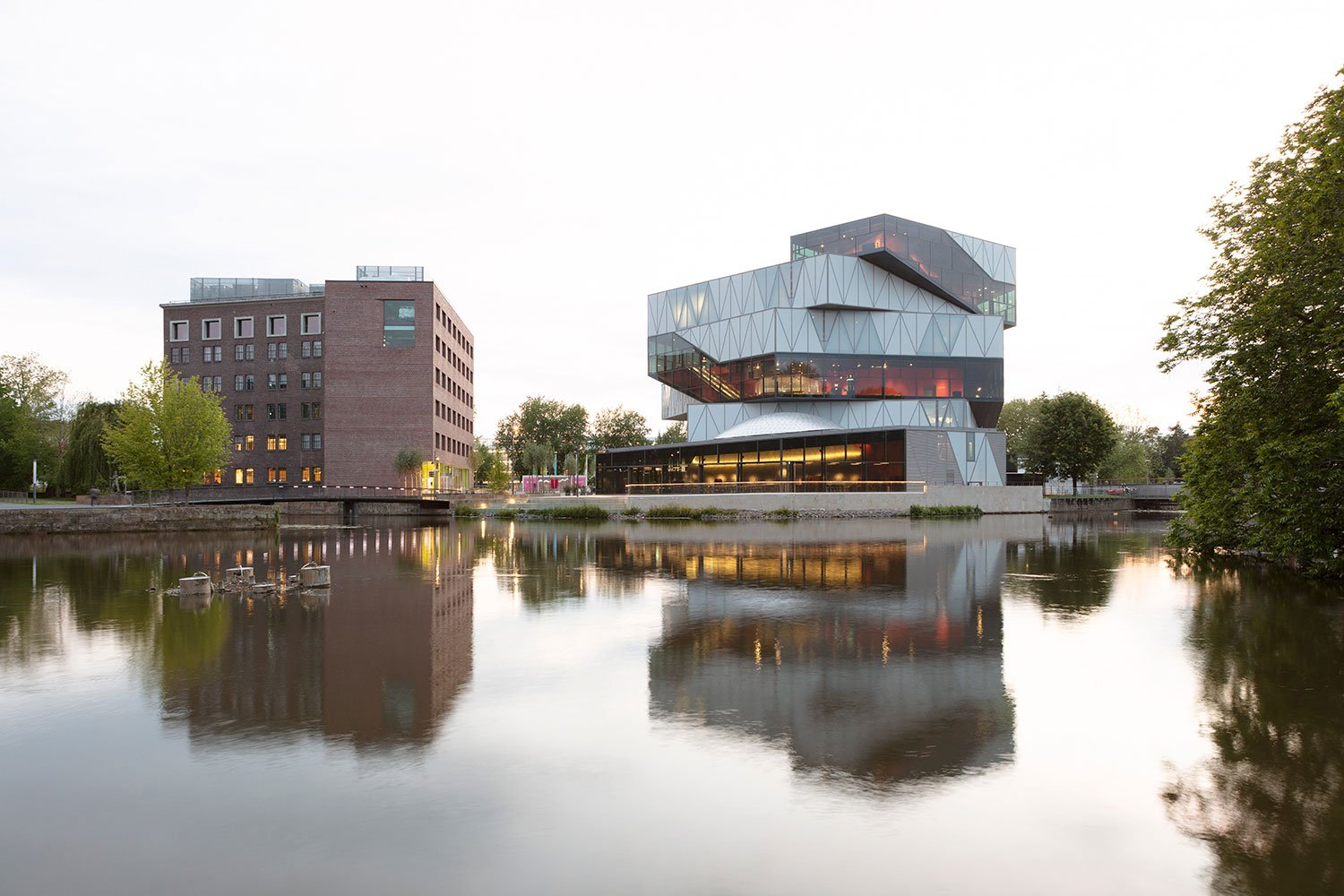 view from the east with the converted warehouse and the new Experimenta building Jan Bitter