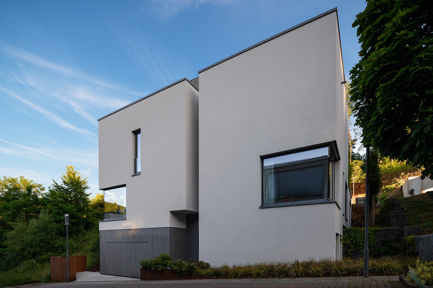 View of the North side from the street daylight Julien Swol for Beng Architectes Associés