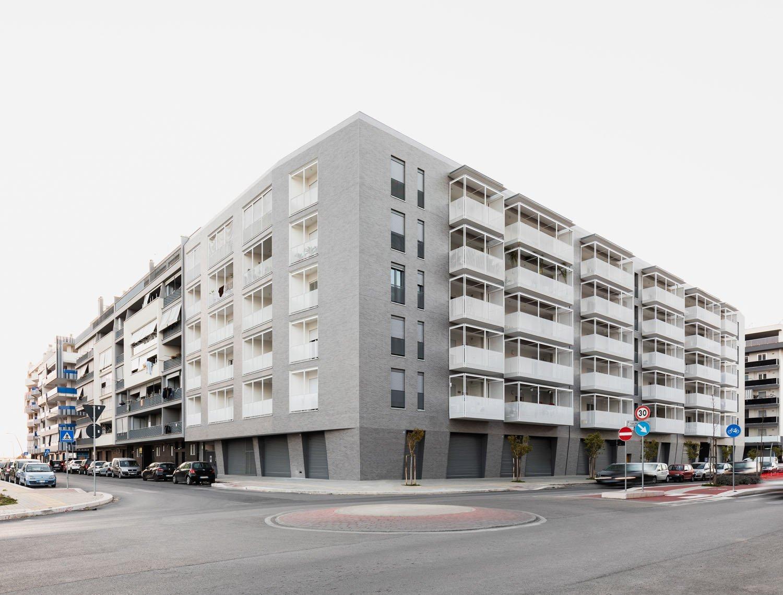 Le facciate esterne dell'edificio Marco Cappelletti