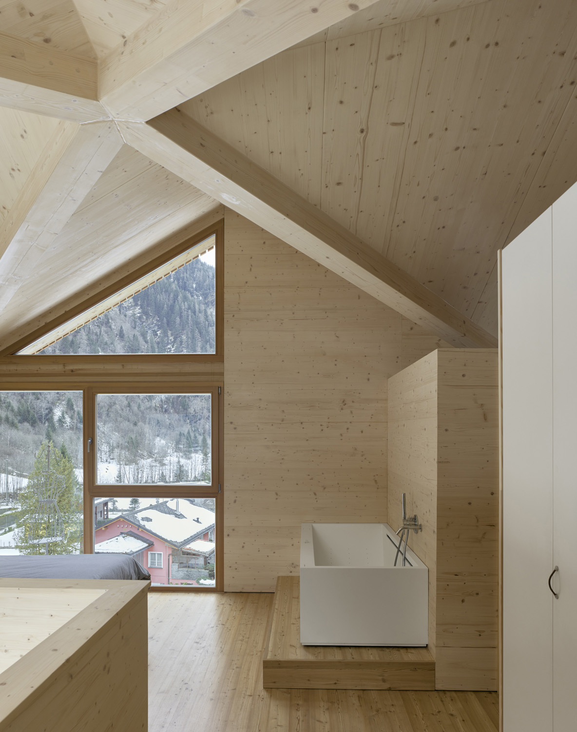 Swisshouse XXXV_natural lighting from outside Fabrice Fouillet