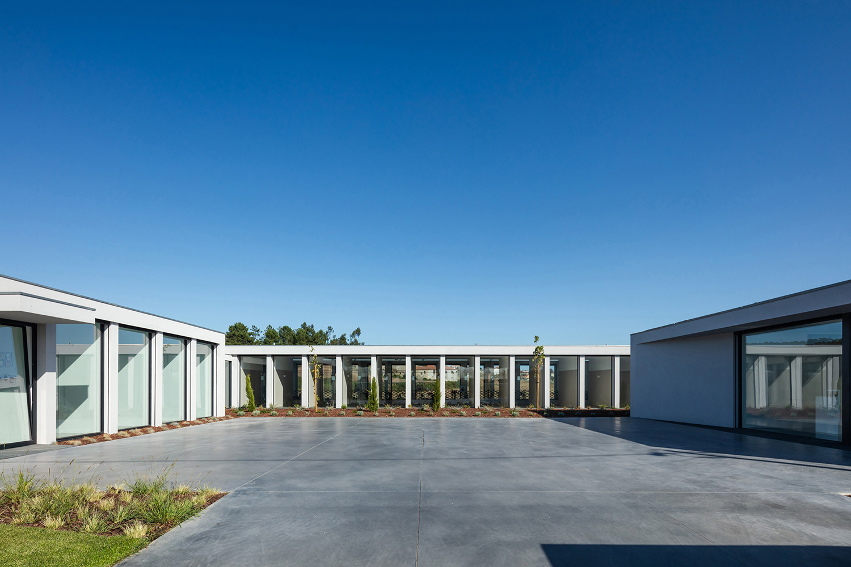 Exterior view - Entry João Morgado