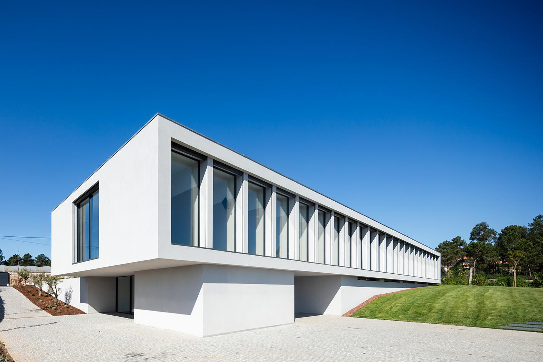 Exterior view - South East João Morgado