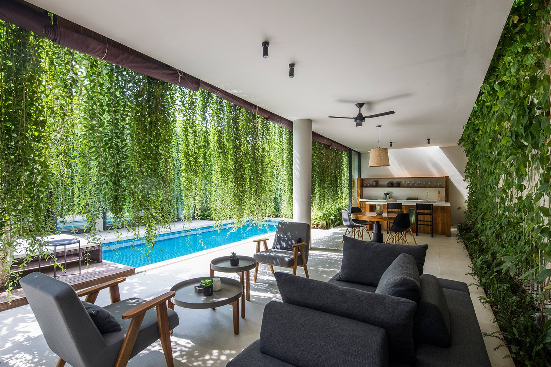 Lounge Oki Hiroyuki