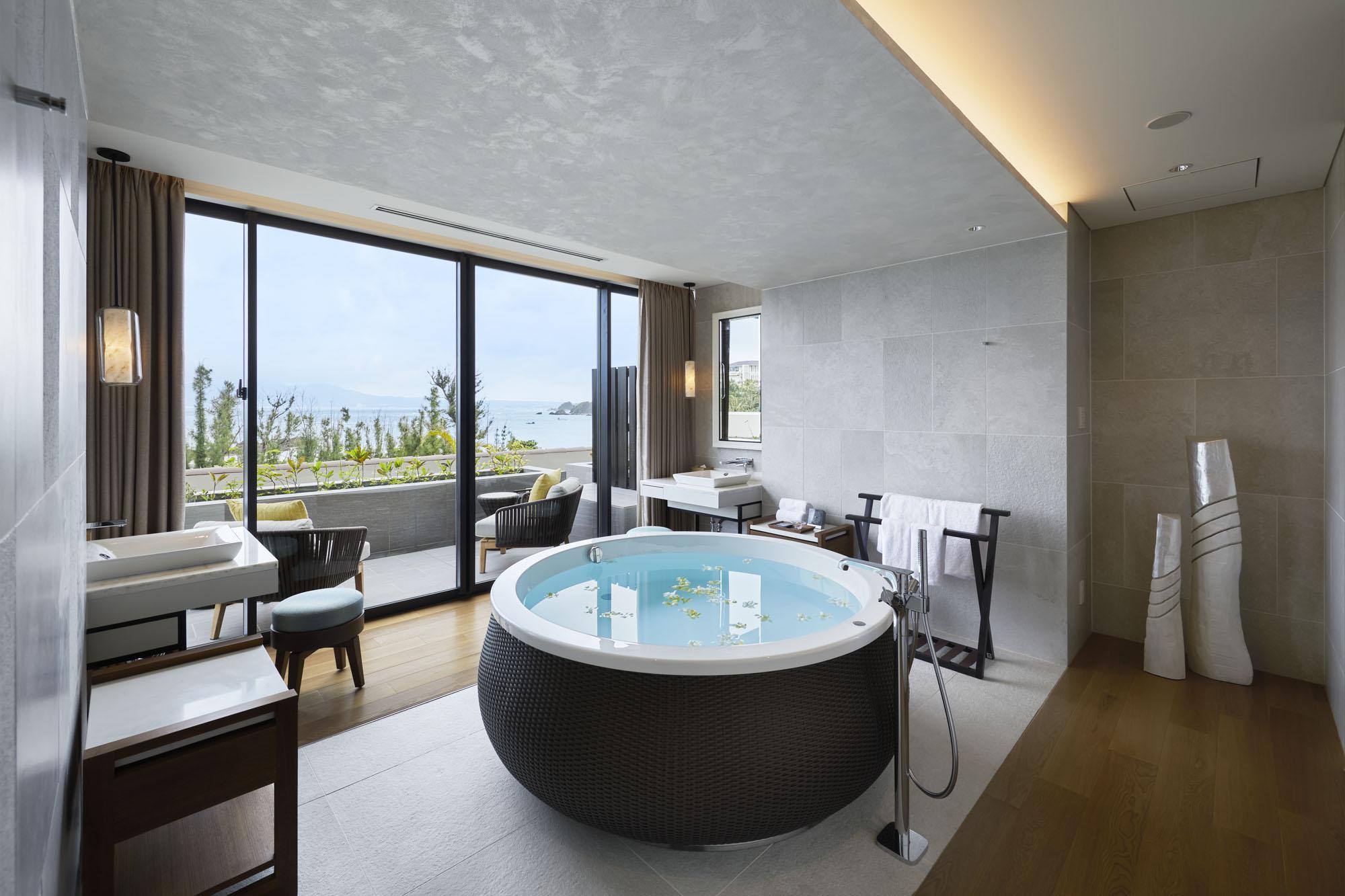 Couple's Bathroom Nacása & Partners Inc.