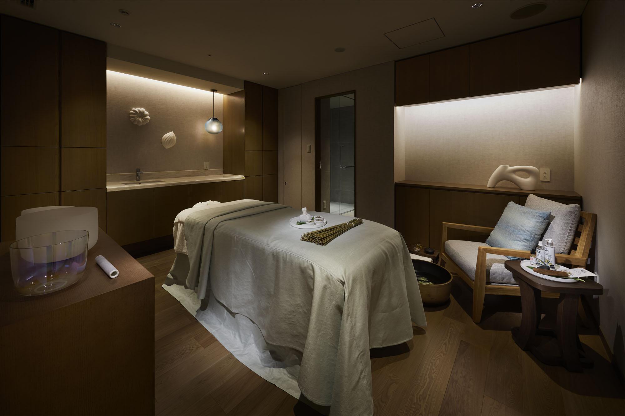 Treatment Room Nacása & Partners Inc.