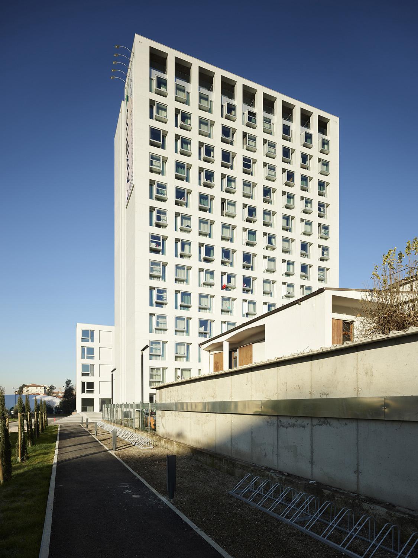 La nuova residenza universitaria vista dall'ingresso Foto: Pietro Savorelli