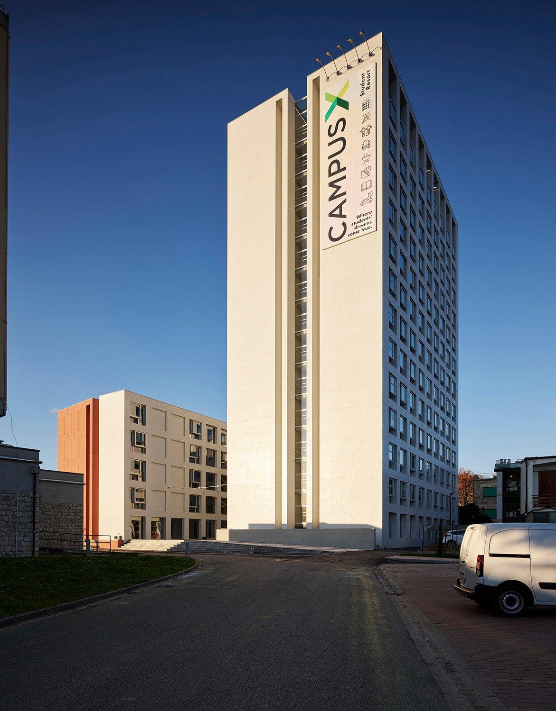 La nuova residenza universitaria vista dal parcheggio Foto: Pietro Savorelli