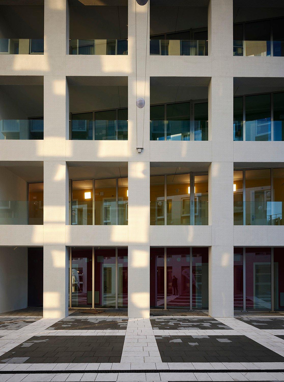 l'ingresso all'edificio del DSU Foto: Pietro Savorelli