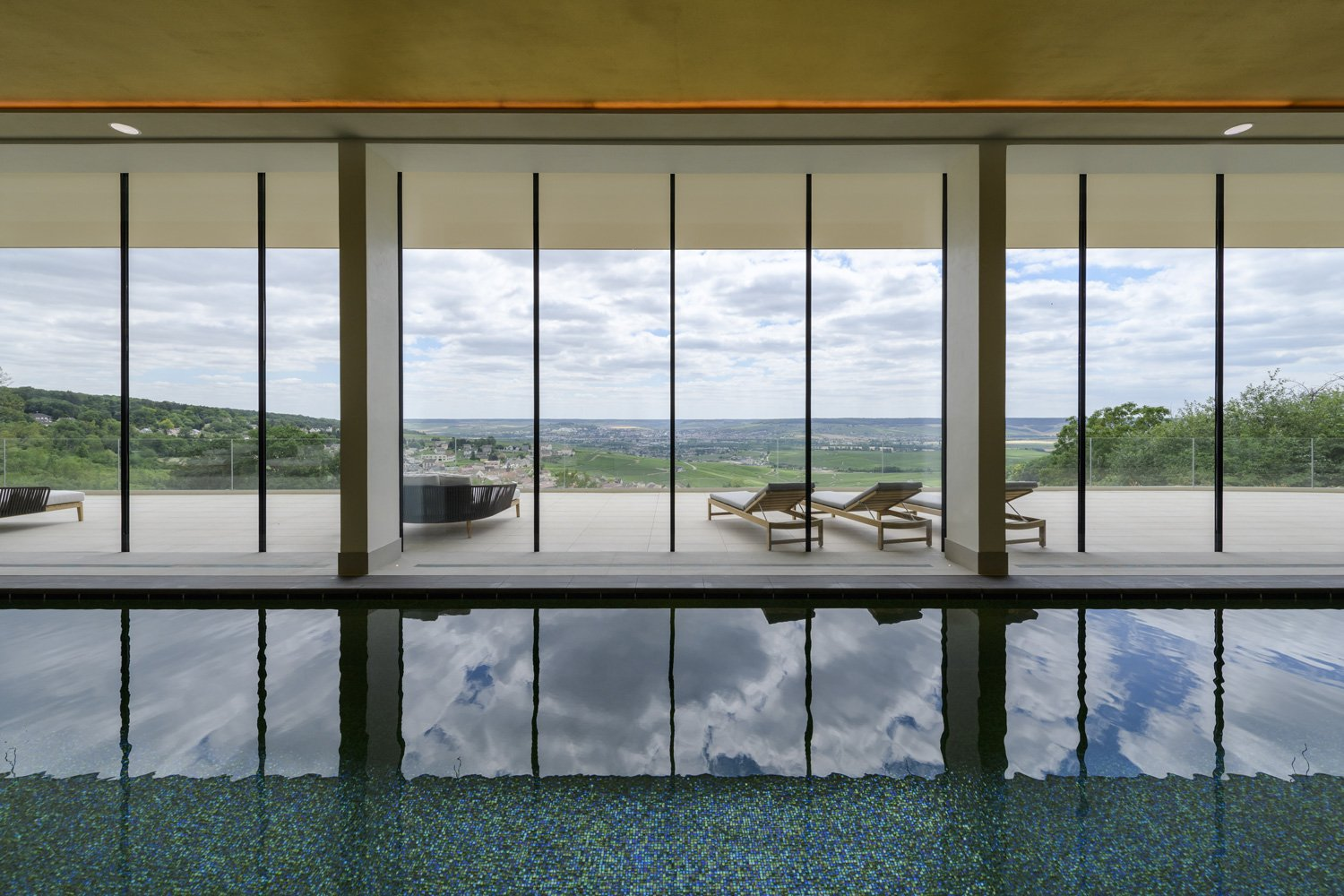 The indoor pool and its panoramic view Fred Laures