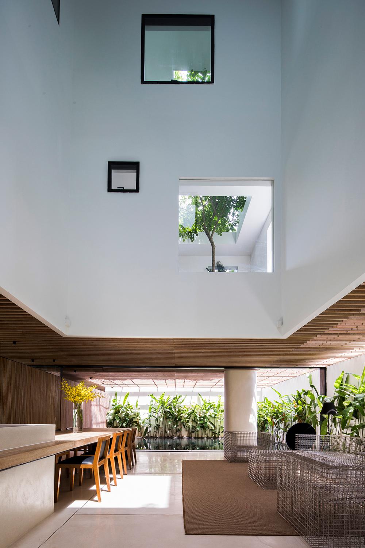 Ground Floor Oki Hiroyuki