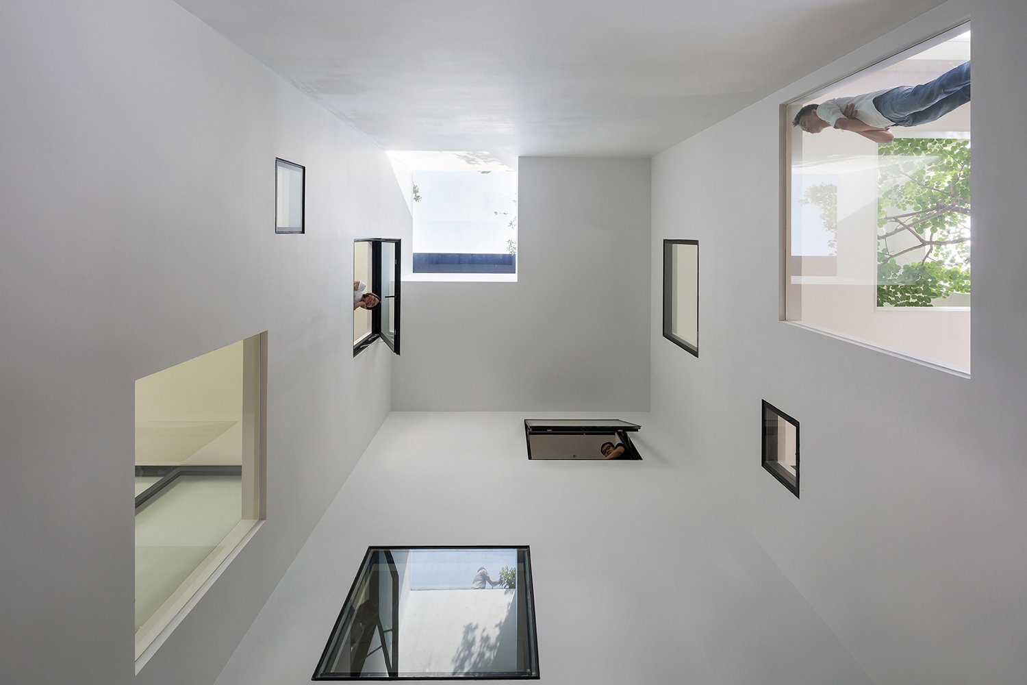 Shared space Hoang Le