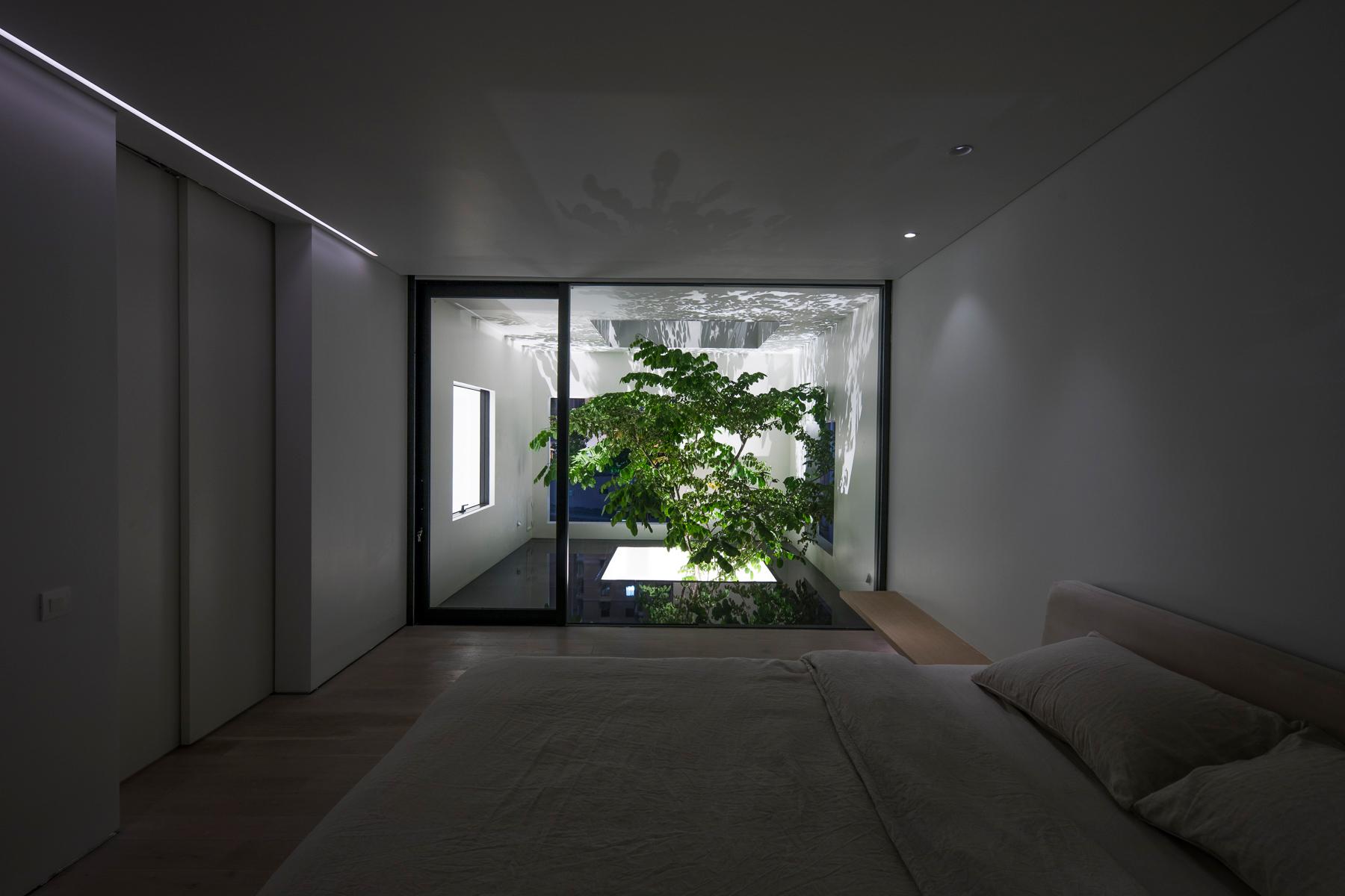 Bedroom Oki Hiroyuki