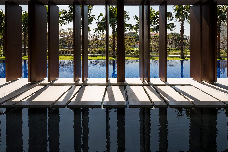 Pool view Oki Hiroyuki