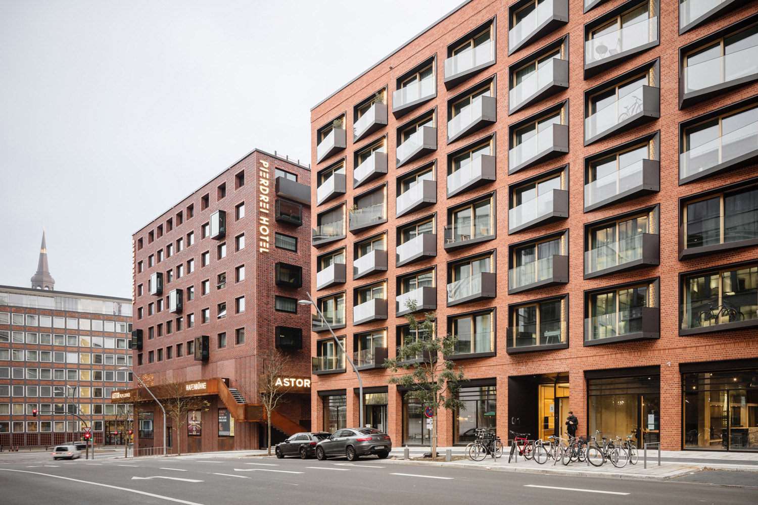 The historic Speicherstadt served as inspiration in the open and flexible building structure Marcus Bredt