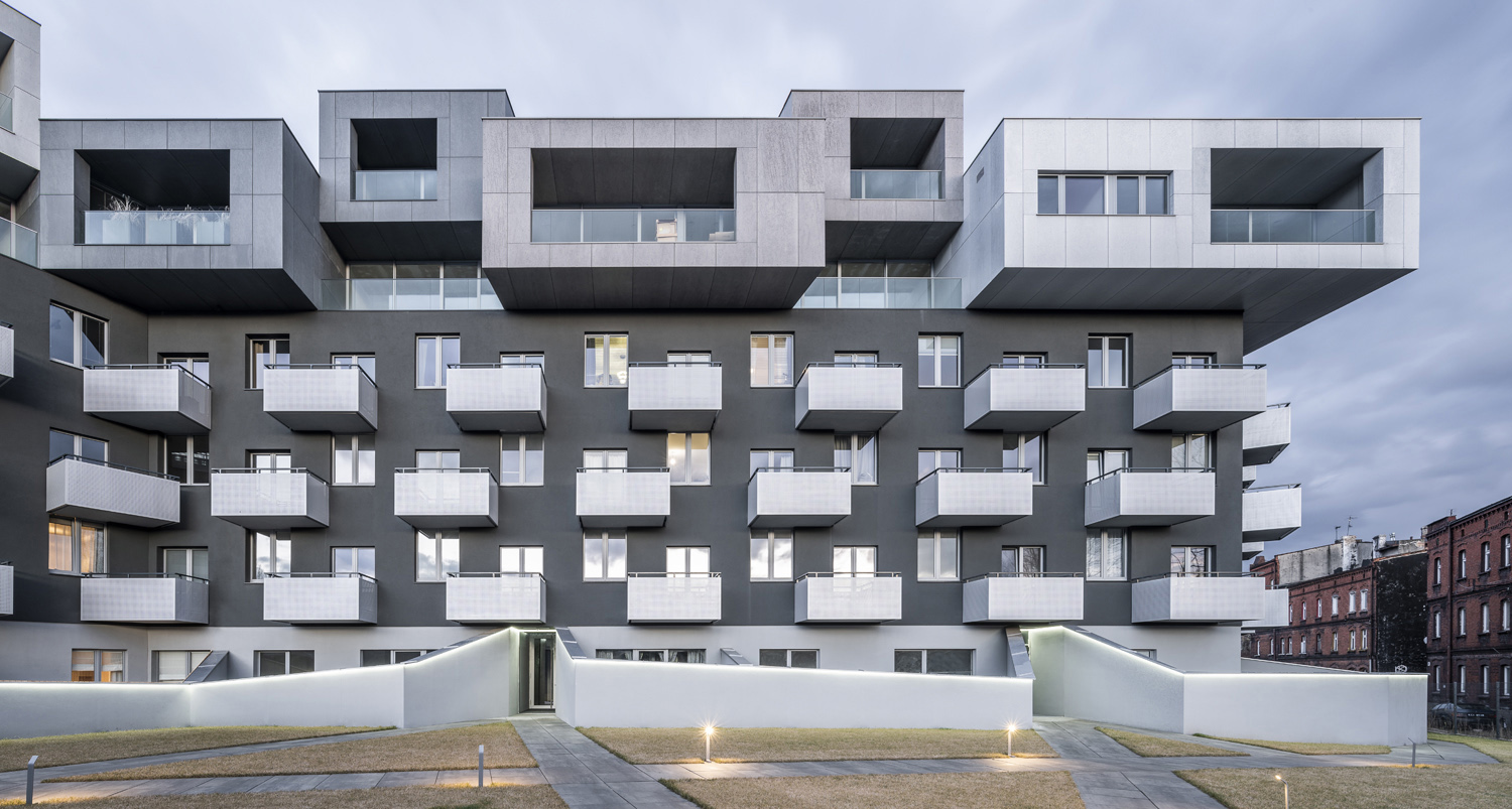 Assembling different typologies of housings into a vertical structure, instead of implementing them in front of one another, gave all the residents daylight, view and common spaces Juliusz Sokolowski
