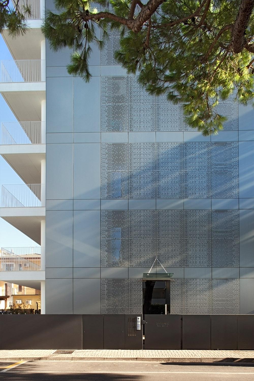 Esterno, facciata nord Alessandra Bello